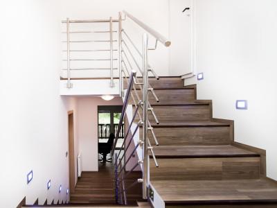 Stopnice in polaganje tal